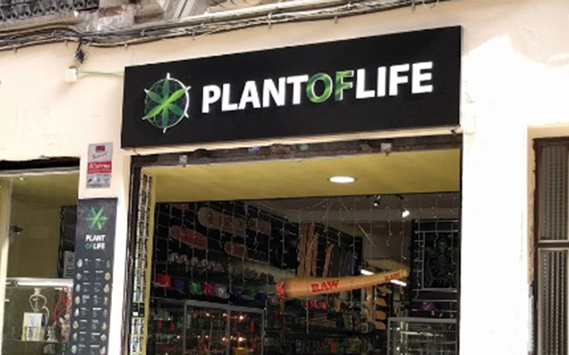 plant of life headshop barcelona